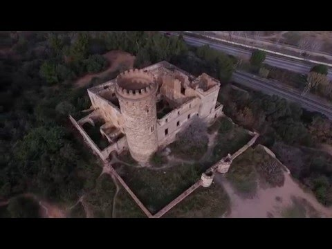 "Torre Salvana, ""El castell de l'infern"" a la Colonia Güell."