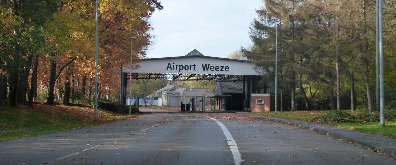 airport weeze flughafen germany