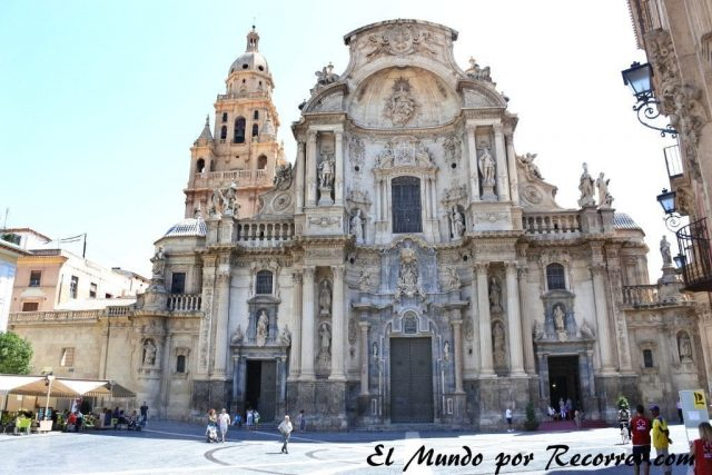 Murcia catedral dia belluga ayuntamiento