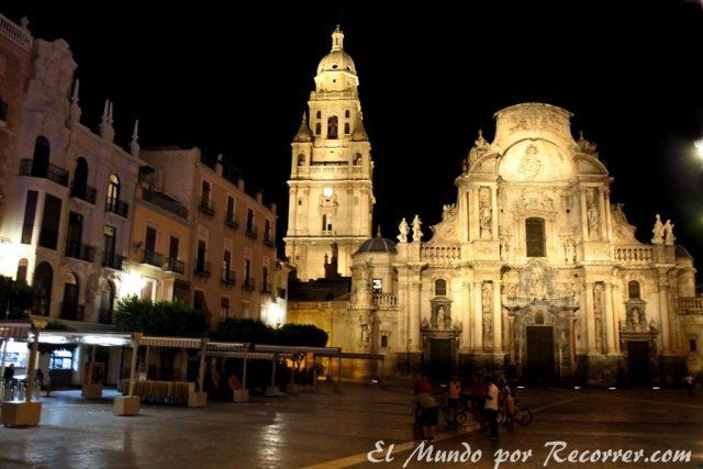 Murcia catedral noche