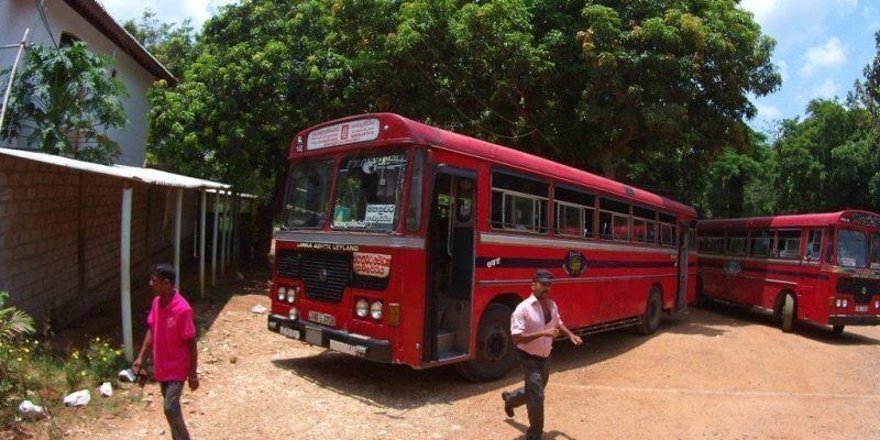 Viajando en autobús por Sri Lanka