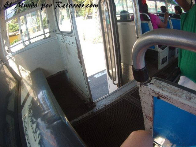 Srilanka sri lanka bus autobus travel india