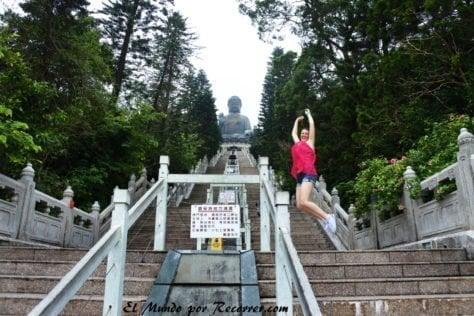 Subiendo en solitario al Big Buda