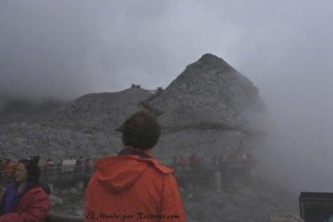montana del dragon de jade niebla vistas