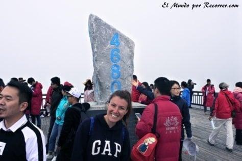 En el prometido pico de la montaña del Dragón de Jade. 4680 metros!