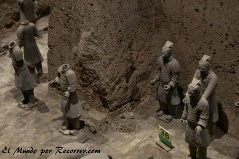 Conjunto de guerreros encontrados en la fosa del pit 2 xian guerreros terracota