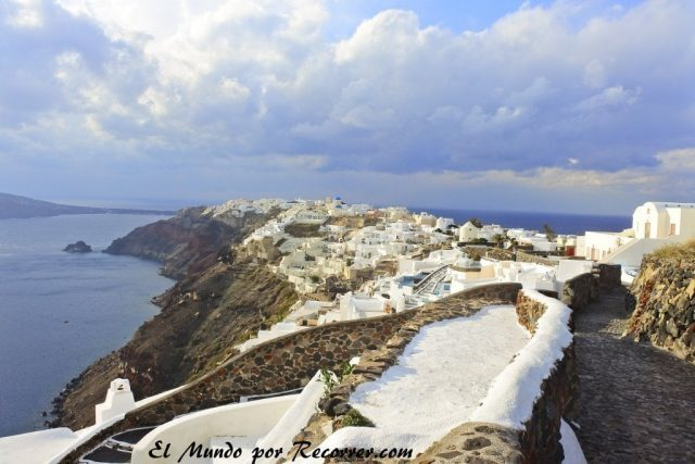 Santorini Greece Grecia Winter sunset visit travel que ver see mundo recorrer blog invierno temporada alta baja