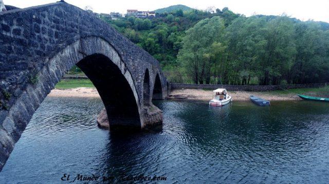 Skadar lake lago montenegro albania ruta balcanes balkans viajar mundo recorrer