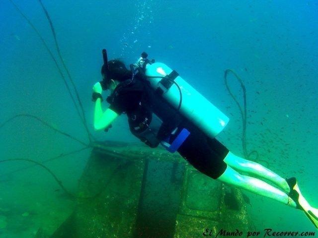 islas perhentian malasia scuba diving wreck