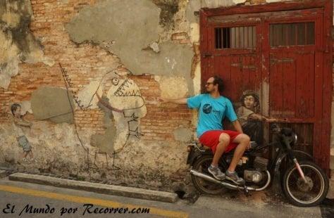 penang malasia street art moto