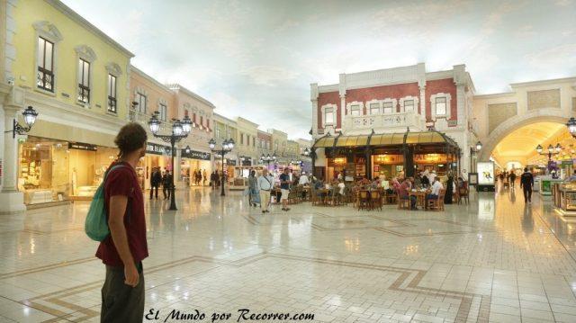 Doha Qatar viliaggio centro comercial venecia