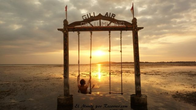 Gili air sunset columpio instagram