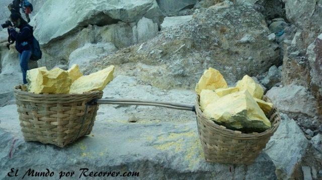 Ijen volcan sulfuro mineros tradicional