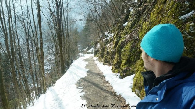 Hallstatt camino montaña