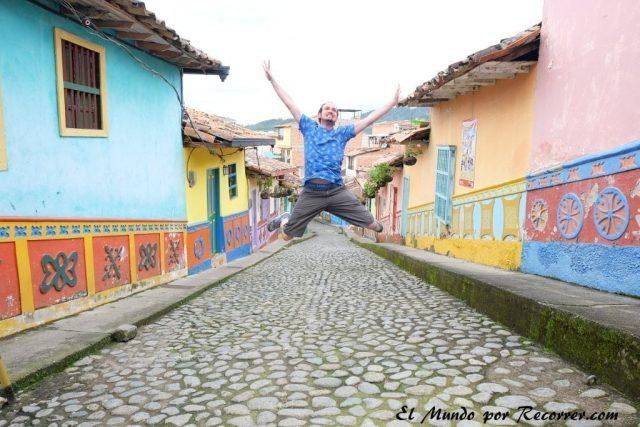 guatape colombia pueblo