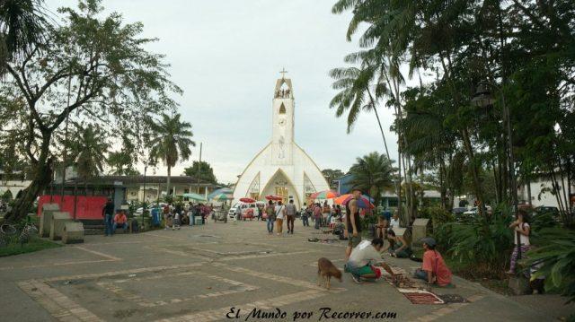Leticia en el amazonas colombiano plaza iglesia