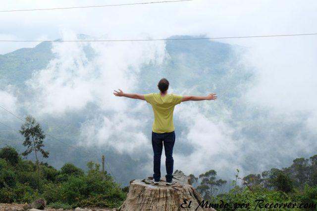 bogota colombia en la cima de monserrate low