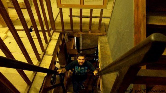 Republica checa pilsen escaleras catedral