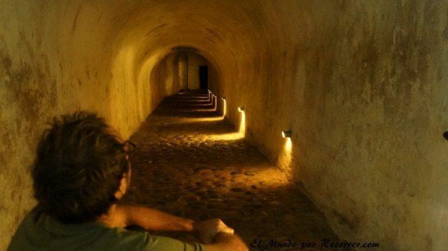 Viajar a Copenhague castillo de kronborg tunel