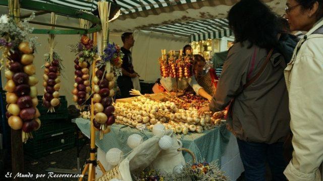 Zwiebelmarkt weimar Alemania la fiesta de la cebolla ajos