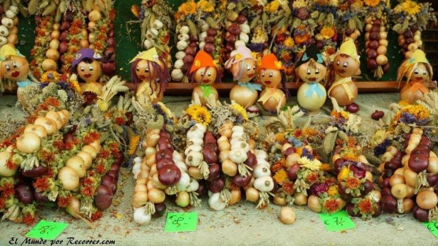 Zwiebelmarkt weimar Alemania la fiesta de la cebolla figuras