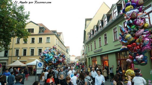 Zwiebelmarkt weimar Alemania la fiesta de la cebolla gente