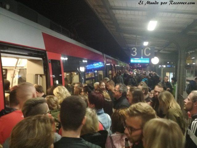 Zwiebelmarkt weimar Alemania la fiesta de la cebolla tren lleno