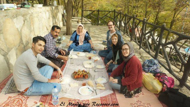 picnic marivan iran lago zarivar