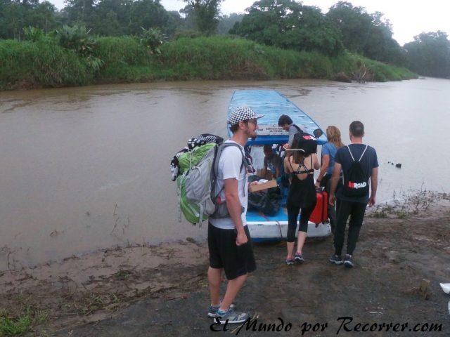 Tortuguero costa rica llegar en barco desde la pavona