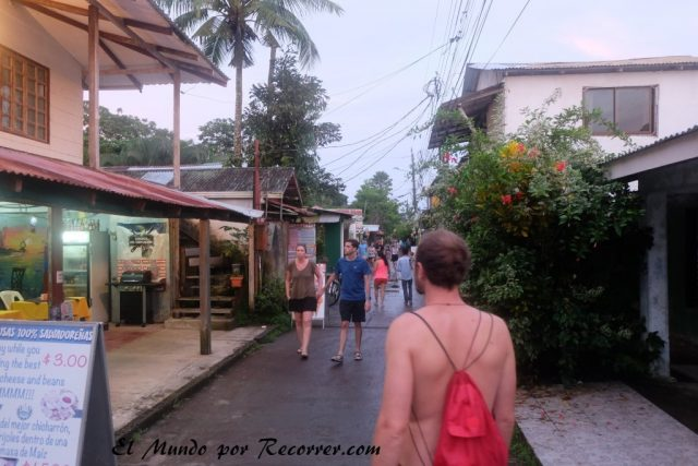 Tortuguero costa rica pueblo