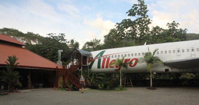 costa rica avion nauyuca restaurante