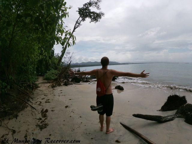 playa parque nacional cuhuita costa rica