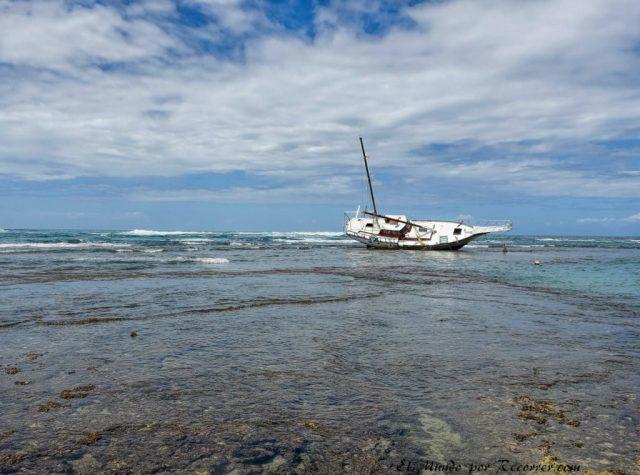 puerto viejo barco encallado