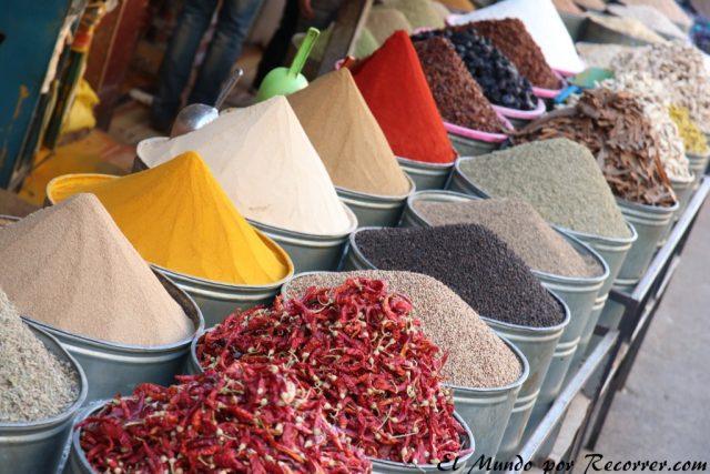 Fez Marruecos viajar especias