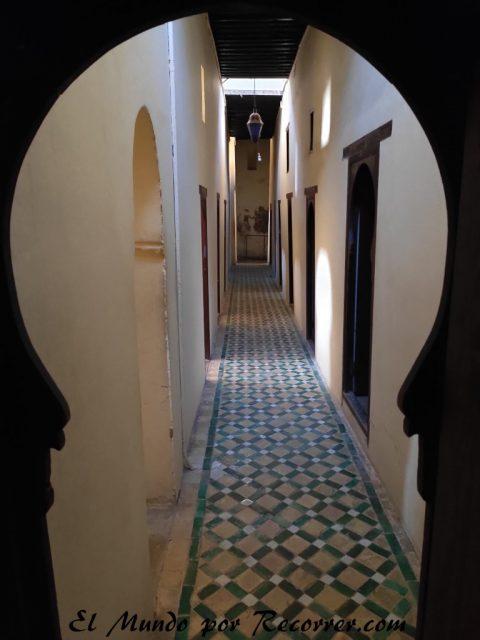 Meknes viajar por marruecos madrasa