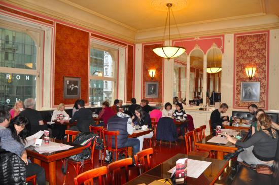 Café Louvre, Praga
